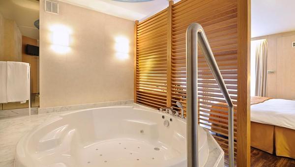 Luxe Badkamers Antwerpen : Suite van der valk hotel antwerpen